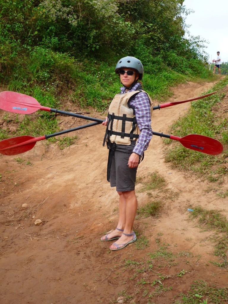 Luang Namtha: Gut vorbereitet getht es am nächsten Morgen auf eine Kayak-Tour entlang des Naturschutzgebiets Nam Ha.