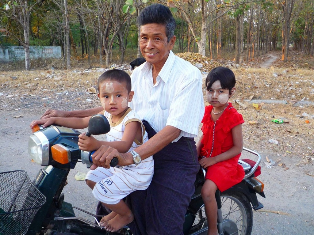 Kleiner Familienausflug durch Mandalay