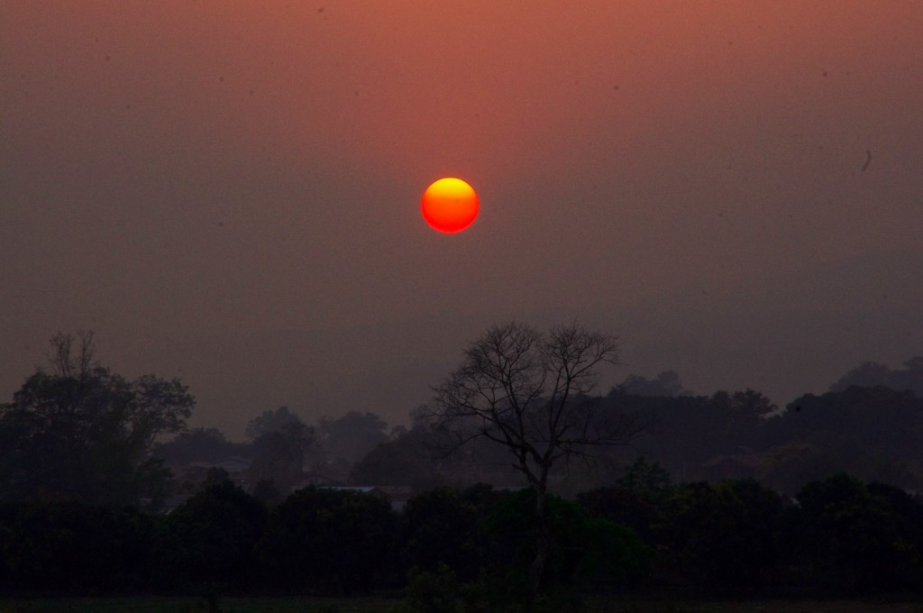 Sonnenuntergang zwischen Mandalay und Thazi