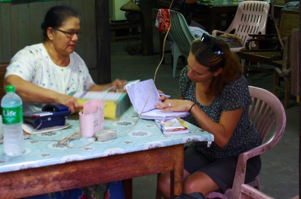 Mandalay: Papierkram und Hotelreservierungen für 2 Wochen im Voraus. Myanmar ist leider (noch) kein Land für Backpacker und Spontanurlauber...zumindest nicht in der Hauptsaison.