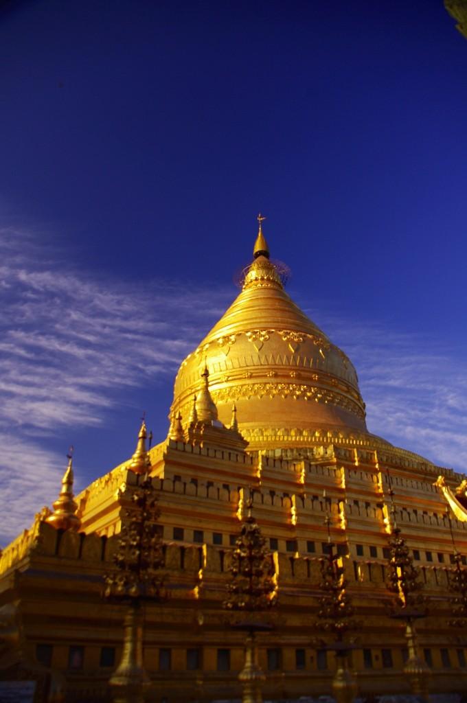 Yangon: Das Nationalheiligtum Myanmars - die Shwedagon-Pagode.