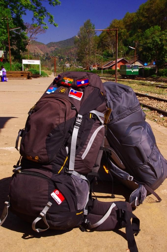 Kalaw: Warten auf den Zug Richtung Shwe Nyaung.